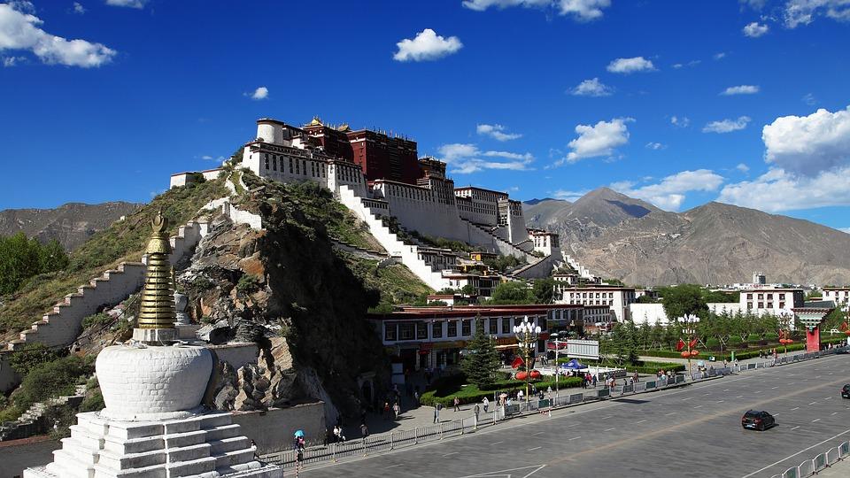 Fenomena Unik di Tibet, Daerah yang Menjunjung Tinggi Tradisi Buddha